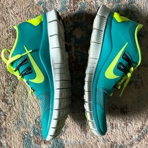 Nike Shoes - Nike Free 5.0 size 6.5
